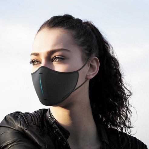 XD Design protective mask with filter and pouch